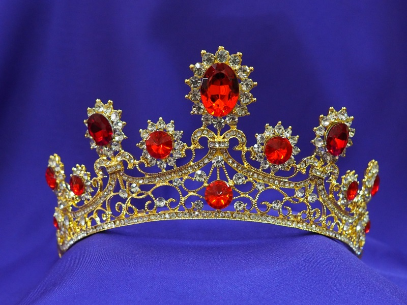 Red Tiara Ct38